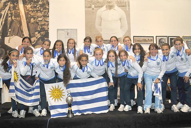 Las juveniles uruguayas preparan sus respectivos sudamericanos.