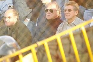 Campomar, Welker y Morena, los dirigentes aurinegros, en la tribuna Brasil del Tróccoli.