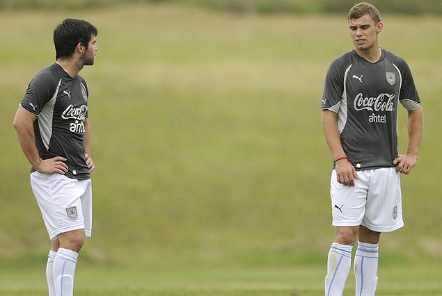 Gonzalo Latorre y Francis D'Albenas, delanteros y figuras de la selección uruguaya Sub 17.