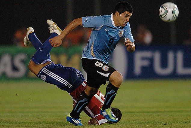 Incidencia del último juego por eliminatorias en Asunción. Uruguay-Paraguay, chocan este viernes desde las 19.00 horas en el Estadio Centenario.