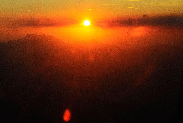 La puesta de sol de este domingo de Ramos, desde el avión...