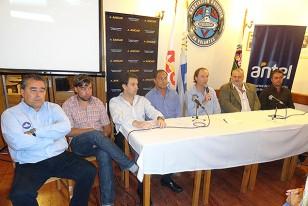 La Asociación Uruguaya de Volantes (AUVO) concretó –ante nutrida asistencia- el lanzamiento de la temporada pistera 2013.