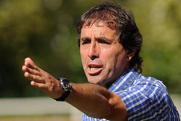 Guillermo Almada, el técnico de River Plate, que analiza la victoria ante los arachanes.