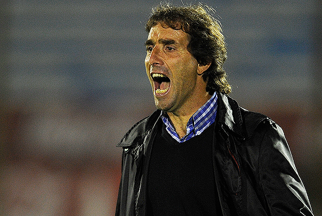 """""""Creo que debíamos llevarnos algo más que una derrota"""", señaló Guillermo Almada."""