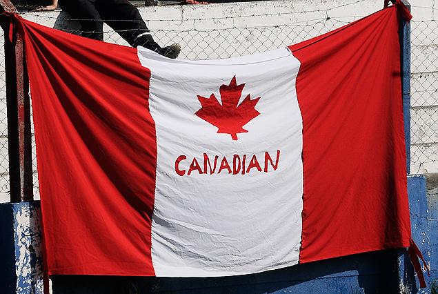Bandera de la hinchada de Canadian, campeón de la Liguilla y de la Tabla Anual.
