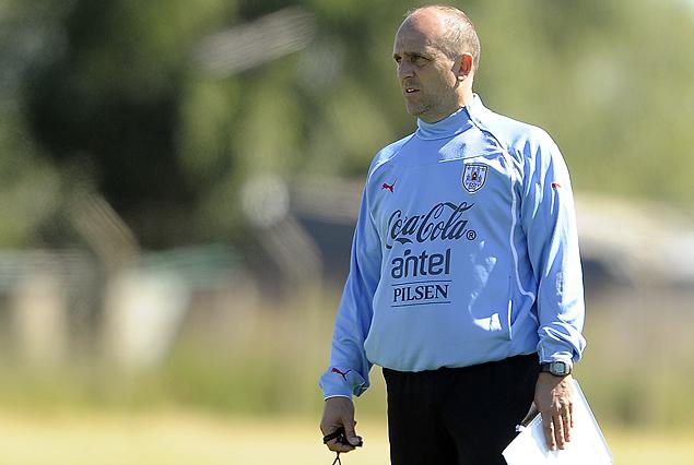 Fabián Coito tiene definido el equipo para enfrentar a Perú en el Sudamericano Sub 17.