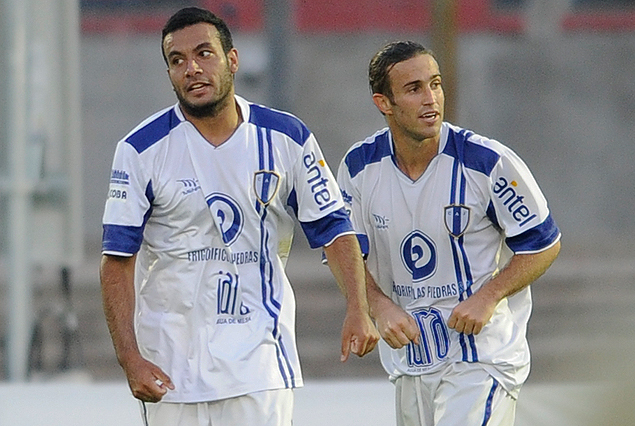 Jonathan Blanes y Matías Alonso, los autores de los dos goles de Juventud ante Nacional.