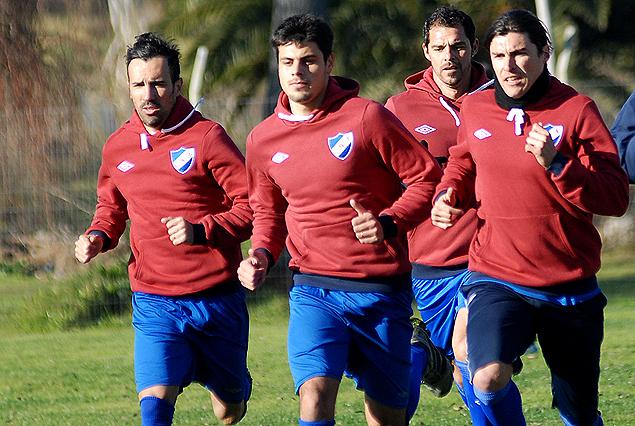 Guillermo De los Santos, encabeza el grupo junto a Vicente Sánchez, Alexander Medina y Adrián Romero en el arranque de los trabajos en Los Céspedes.