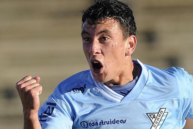 El delantero César Falletti genera interés en los llamados y sondeos al club.