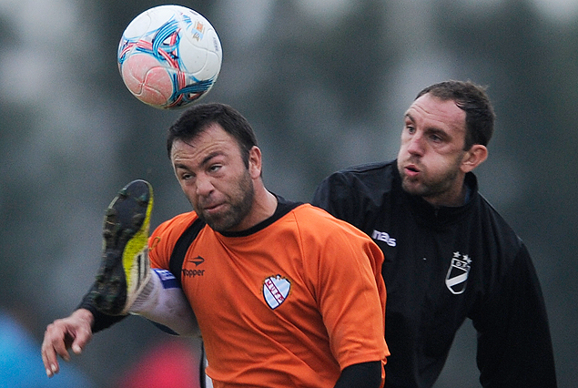 Horacio Peralta y Damián Malrrechaufe en el juego de Danubio frente al equipo de la Mutual.