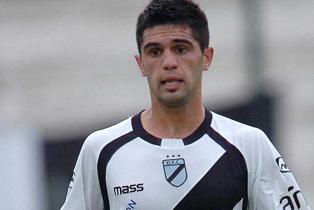 Gabriel De León, va a jugar en Cerro. Llega de Danubio.