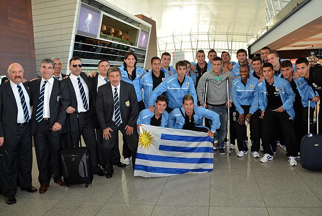 La Selección Sub 20 llega este martes, día memorable para el fútbol uruguayo. La AUF diseño el periplo y el homenaje en el Estadio Centenario.