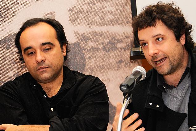 """Presentes en el lanzamiento del libro """"Maracaná"""", Andrés Varela y Sebastián Bednarik, cineasta responsables de filmar la película que llevará por nombre Maracaná."""