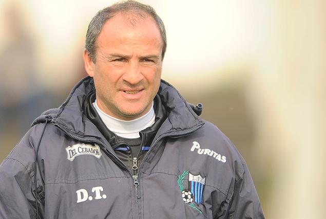 Eduardo Favaro, el director técnico de Liverpool.