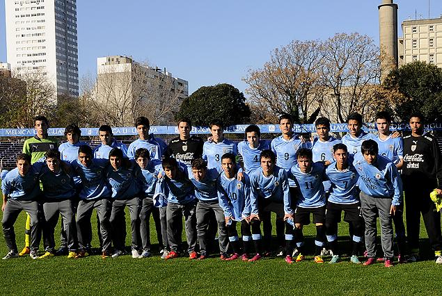 Plantel de la selección Sub 15 de Uruguay.