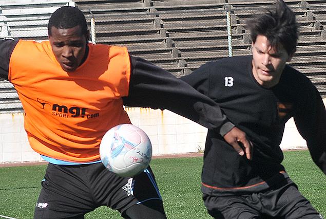 Hugo SIlveira y Santiago González el sábado en el Estadio Luis Tróccoli.