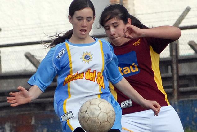 Rocha le ganó 2.0 a Seminario en el fútbol femenino.
