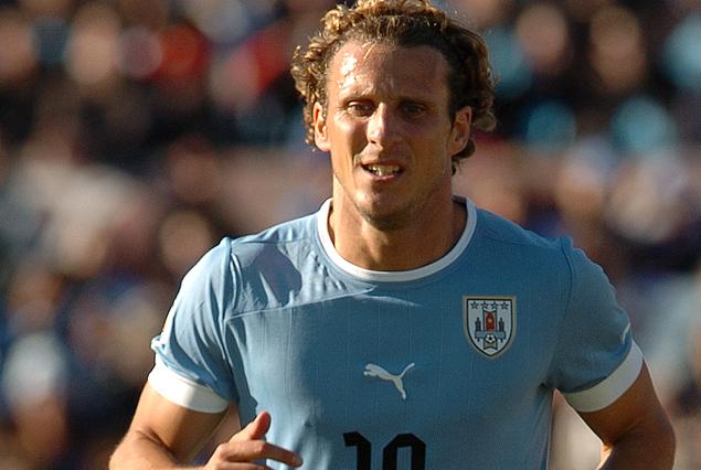 Diego Forlán, el uruguayo que mas veces defendió la celeste. Tiene 103 presencias, con 36 goles.