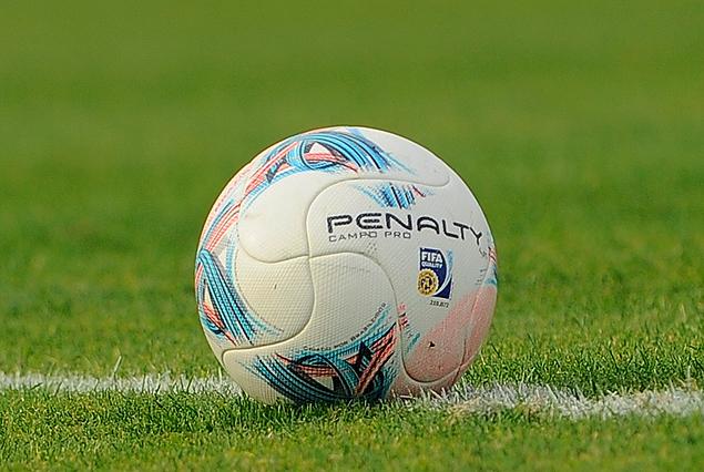 El domingo puso la pelota en juego en el fútbol femenino.