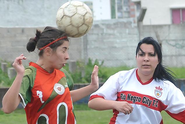 Colón goleó el domingo 4:0 a Río Negro.