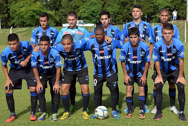 El equipo de Liverpool que logró derrotar a Danubio 3:2 en Sub 16 y llevar a la definición del Uruguayo a una finalísima el próximo jueves.