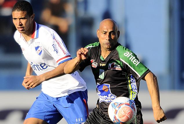 Racing-Nacional, juegan el 1 de febrero por la primera fecha del Torneo Clausura 2014.