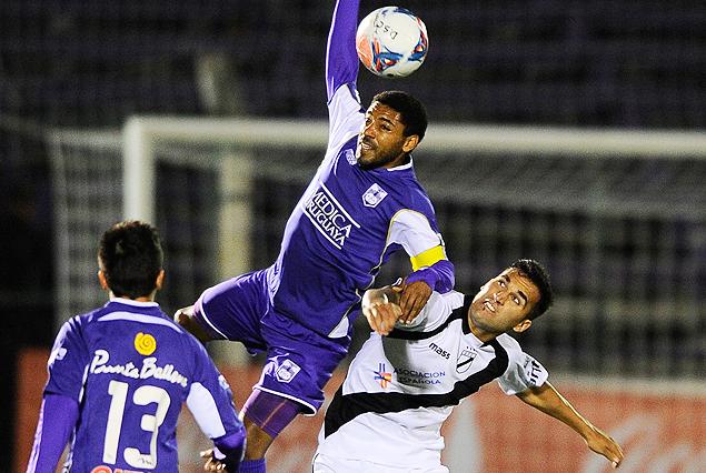 Defensor Sporting y Danubio esperan por su primer clásico del año.