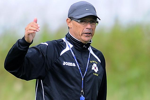 Alfredo Arias, entrenador de Wanderers.