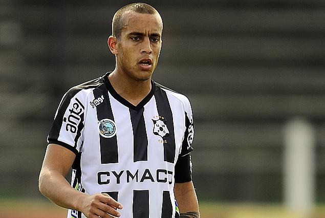 Guzmán Pereira, llegó a su quinta amarilla y no juega frente a Racing.