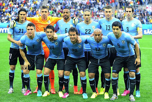 El equipo de Uruguay que enfrentó a Inglaterra en San Pablo, saldrá a la cancha el martes en Natal.