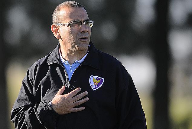 Gustavo Bueno empezó una nueva etapa como entrenador de Fénix.