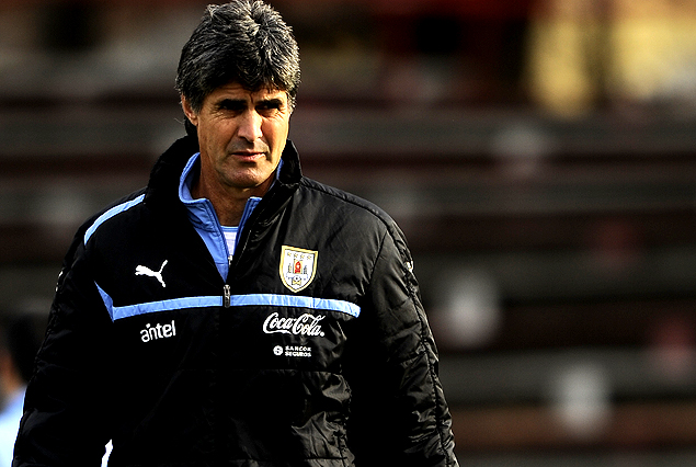 """Santiago """"Vasco"""" Ostolaza, entrenador de la selección Sub 17."""