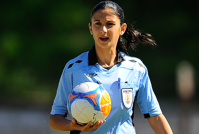 Claudia Umpiérrez, cuarto árbitro en el Palermo