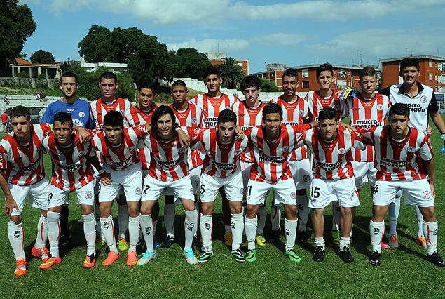 Equipo Sub 16 de River Plate.