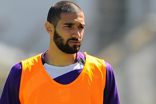 Joaquín Boghossian, libre de Defensor Sp. entrena con los de la Villa, pero volverá a emigrar.