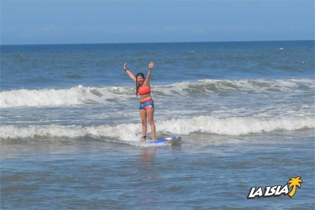 Día de surf en La Olla.
