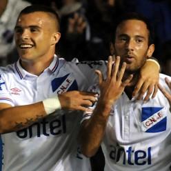 Cristian Tabó y Gonzalo Ramos en el gol del volante, el quinto tricolor.