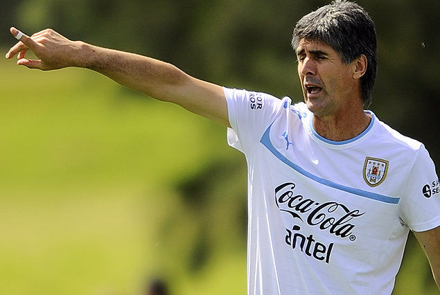 SUB 17: La selección uruguaya del Vasco Ostolaza en partido clave hoy ante Brasil.