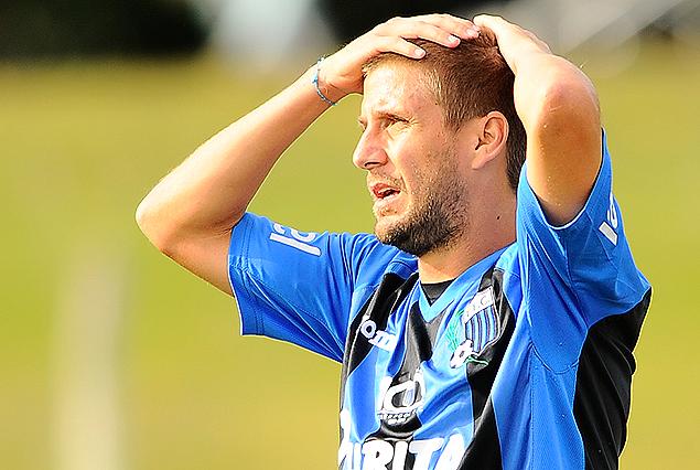 Emiliano Alfaro no lo puede creer. Liverpool volvió a perder.