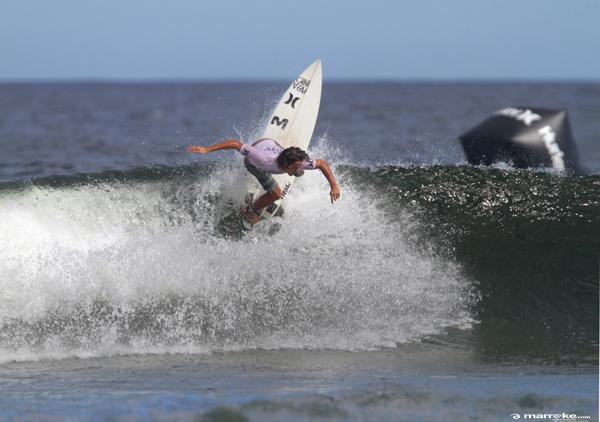 Segundo Vargas fue el mejor en la tercera etapa del Circuito Uruguayo de Surf USU-Antel. Foto: Marroke/USU