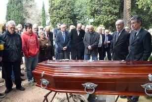 """Fernando Morena habló en el sepelio de Héctor """"Lito"""" Silva en el Cementerio del Buceo."""
