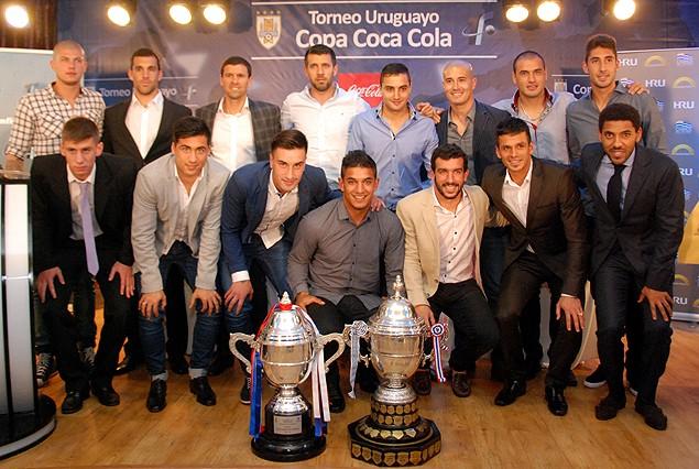 Jugadores representantes de los clubes decidieron la suerte de sus equipos en el fixture.