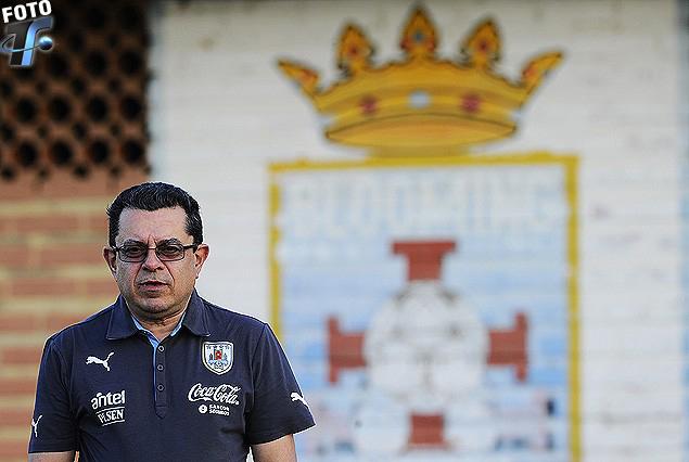 El Dr. Edgardo Barboza captado en el Centro de Entrenamiento de Blooming donde practicó Uruguay.