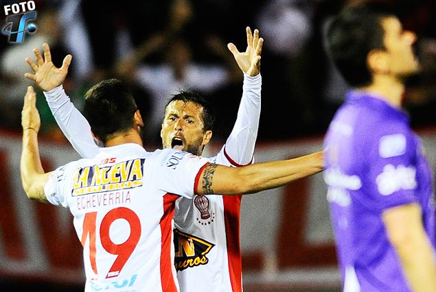 El festejo de Santiago Echeverría e Iván Moreno y Fabianesi, contrasta con la amargura de Santiago Barboza.