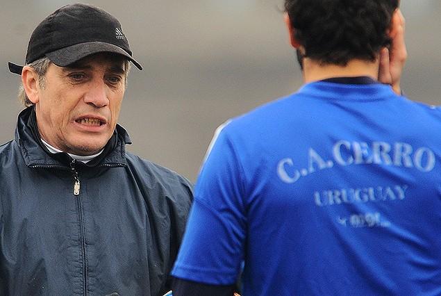 Eduardo Acevedo, entrenador de Cerro.