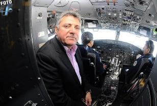 El Presidente de la AUF, Esc. Wilmar Valdéz, un buen piloto de tormentas.