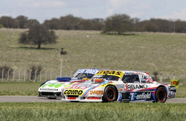 Mauricio Lambiris  en el autódromo de Toay.