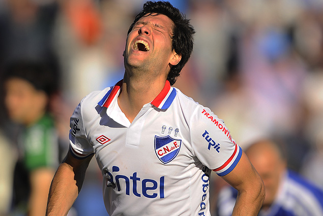 Ignacio González se llena la boca de gol en el festejo de su primer tanto tricolor.