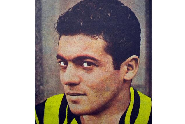 Carlos Borges estuvo tres años en 3a. división, después de su auspicioso debute en julio de 1950 en el primer equipo. Retornó a él para algunos partidos amistosos en Carmelo, Asunción y Porto Alegre en el final de 1953. Un hecho insólito, imposible de repetirse en el presente.