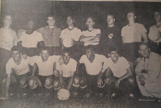 Uruguay Campeón Sudamericano de 1959 luego de vencer a Argentina 1:0. Lo dirigía Hugo Bagnulo que armó la delantera con Borges, Ambrois, Míguez, Escalada y Walter Roque. La posición de Escalada en lugar de Schiaffino venido a Italia, sorprendió a todos.